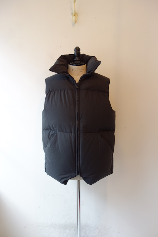 graphpaper zanter for graphpaper down vest 福岡市今泉の